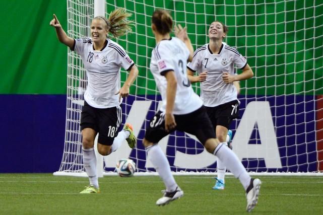 Les Allemandes ont gagné, dimanche, la finale de... (Photo Paul Chiasson, PC)