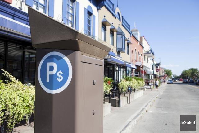 Parcomètres sur l'avenue Maguire à Québec... (Le Soleil, Caroline Grégoire)
