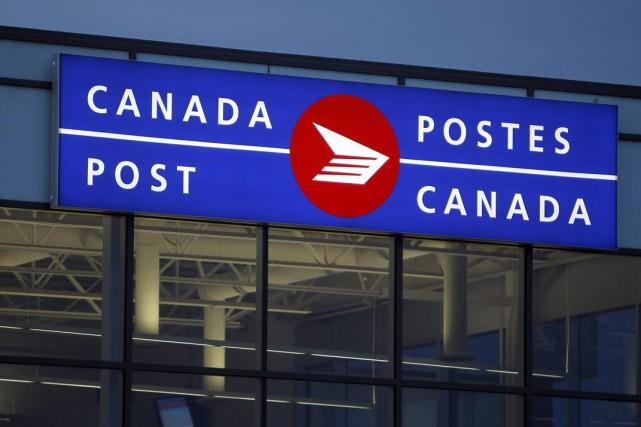Postes Canada affiche déjà une meilleure situation financière au dernier... (Photo Archives La Presse Canadienne)