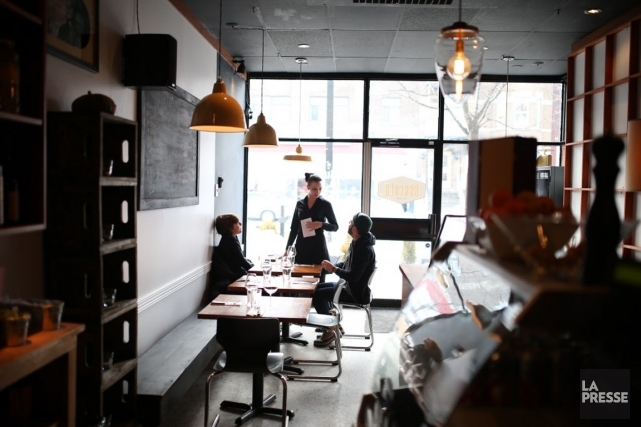 Le chef propriétaire Fabrizio Caprioli montre qu'on peut... (Photo Martin Chamberland, La Presse)