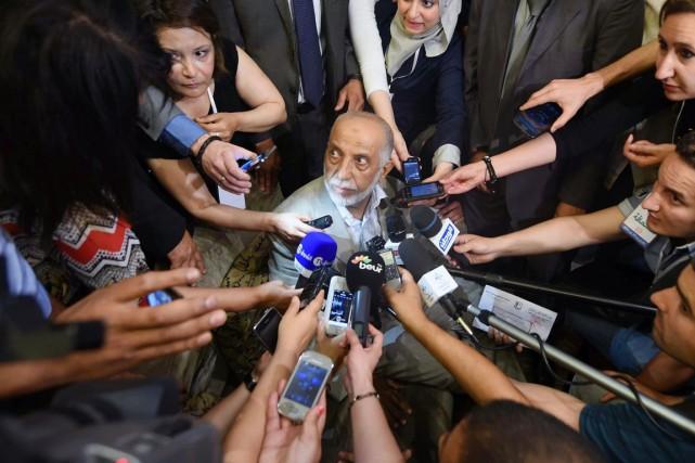 AbdelazizBelkhadem, un islamo-conservateur surnommé par la presse «barbe... (PHOTO FAROUK BATICHE, ARCHIVES AFP)