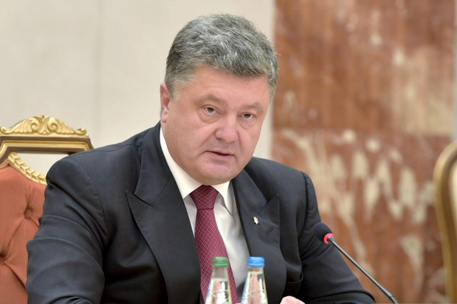 Le président ukrainien Petro Porochenko a annulé sa... (PHOTO MYKOLA LAZARENKO, ARCHIVES AP)