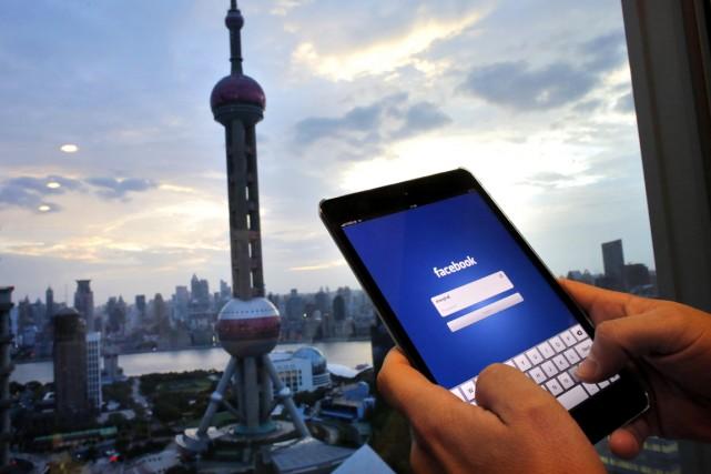 La censure chinoise tolère relativement bien les critiques... (PHOTO CARLOS BARRIA, ARCHIVES REUTERS)