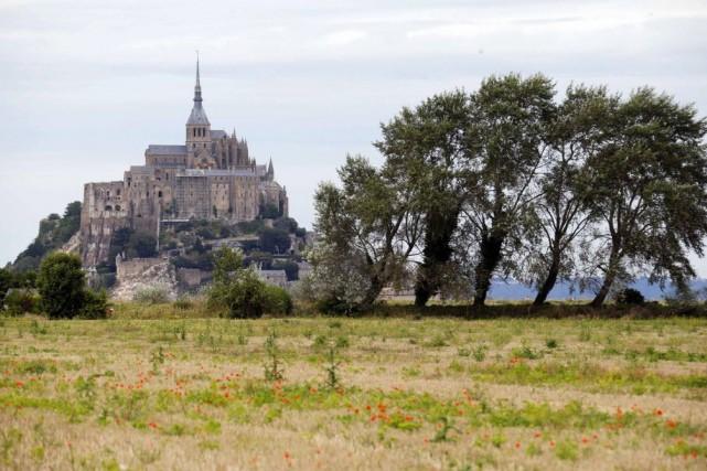 La Normandie, où est situé le Mont-Saint-Michel, a... (Photo REGIS DUVIGNAU, Reuters)