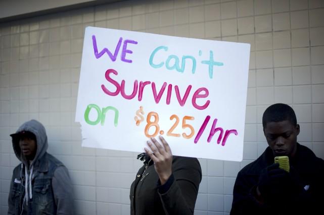 La dernière augmentation du salaire minimum aux États-Unis... (Photo NOAH BERGER, Reuters)