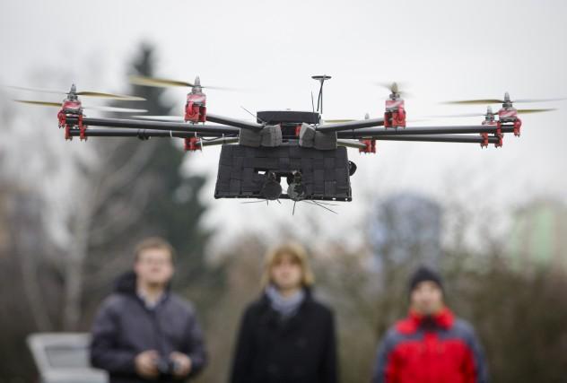 «Les engins volants autonomes pourraient bien ouvrir de... (Photo Martin Divisek, Bloomberg)