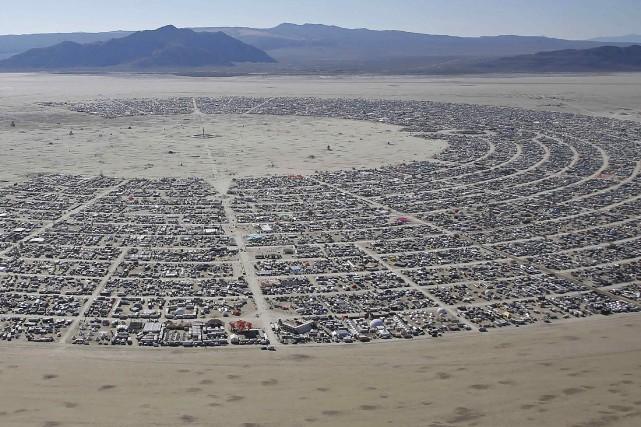 Les participants au festival Burning Man doivent créer... (Photo JIM URQUHART, Reuters)