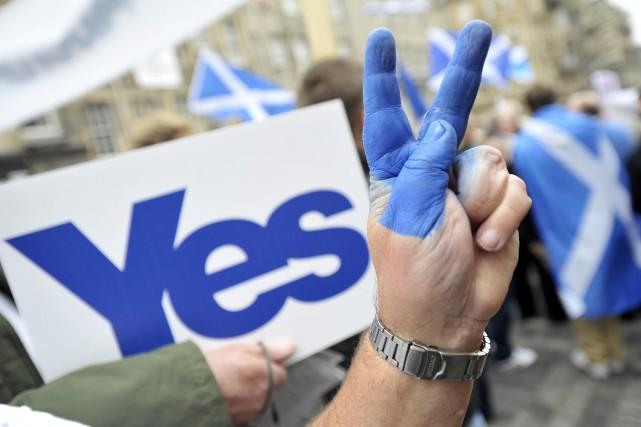 Le nombre de partisans de l'indépendance de l'Écosse progresse à trois semaines... (Photo Andy Buchanan, AFP)