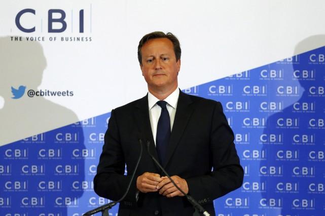 Le premier ministre britannique, David Cameron, s'adressait aux... (PHOTO RUSSELL CHEYNE, REUTERS)