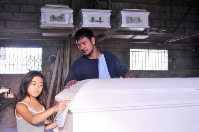 Magkakabaung(The Coffin Maker).... (Photo FFM)