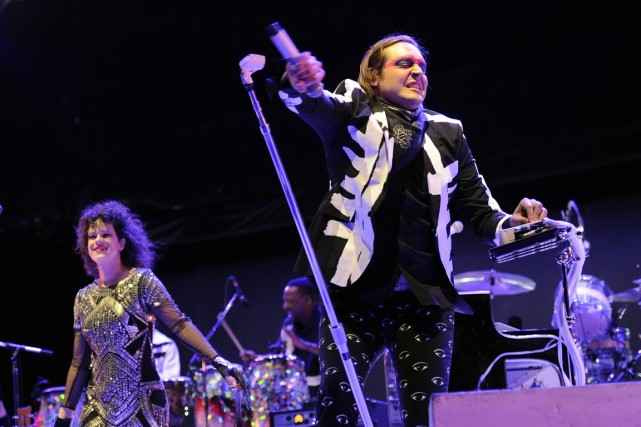 Regine Chassagne, Win Butler et leur bande concluent... (Photo Archives AP)