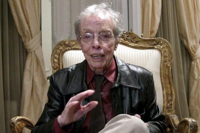 Le célèbre couturier espagnol Manuel Pertegazavait habillé entre... (Photo CESAR RANGEL, AFP)