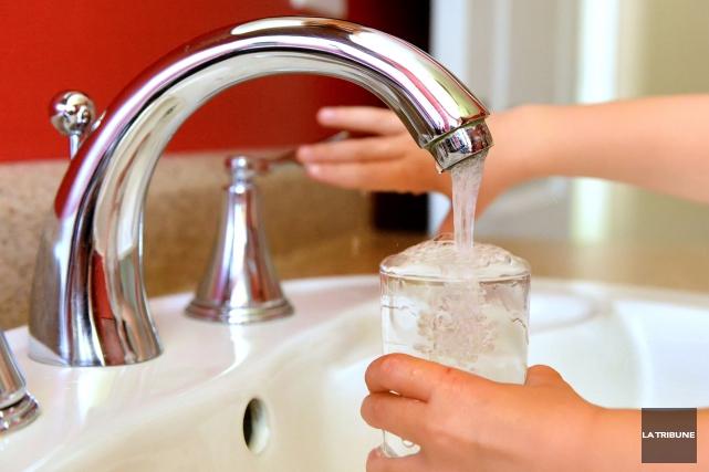 Des résidents de Beauport se plaignent depuis deux semaines que leur eau a une... (Archives La Tribune, Maxime Picard)