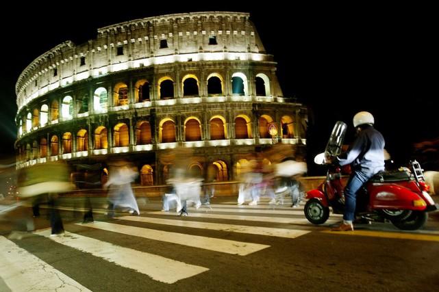 Romeaccueille environ 12 millions de touristes par an.... (PHOTO ARCHIVES REUTERS)