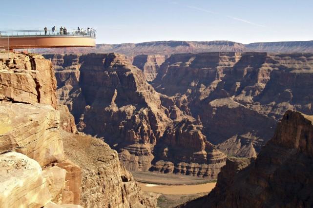 Des groupes de randonneurs et de joggeurs désirant réaliser des excursions... (Photo archives Bloomberg)