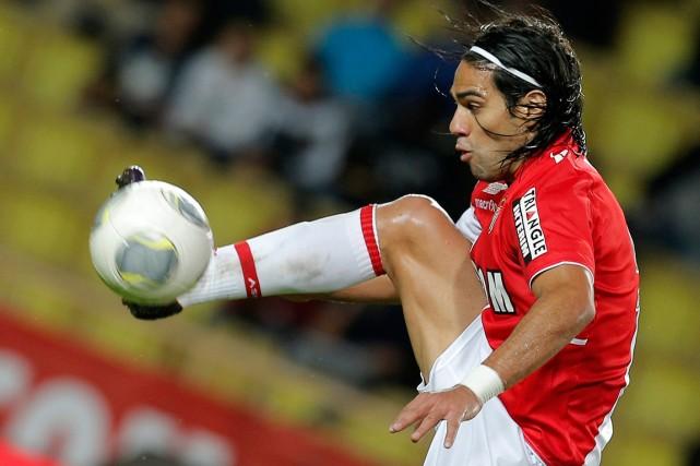 Radamel Falcao... (Photo Lionel Cironneau, archives AP)