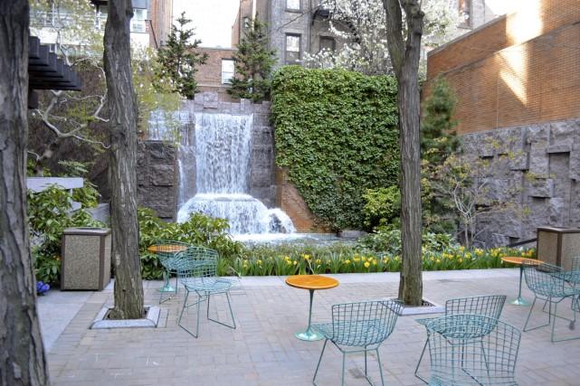 Dans Midtown East, Greenacre Park est une véritable... (Photo Vincent Fortier, collaboration spéciale)