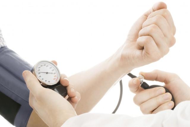 L'hypertension augmente le risque de problèmes cardiovasculaires, comme... (Photo Digital/Thinkstock)