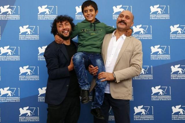 Le réalisateur de Sivas, Kaan Mujdeci, pose en... (Photo: Reuters)