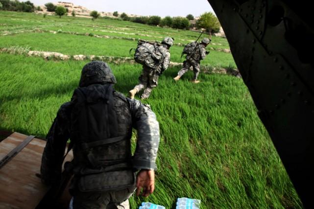 Deux cents parachutistes américains participeront à un exercice militaire... (Photo: AFP)