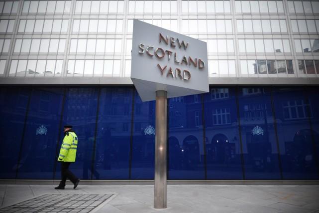 Scotland Yard a confirmé qu'une femme avait été... (PHOTO CARL COURT, ARCHIVES AFP)