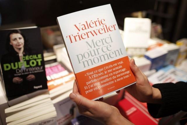 Le livre choc de Valérie Trierweiler Merci pour ce moment (Les Arènes)... (Photo: Reuters)