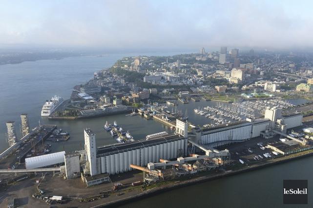 Vue du port de Québec et du bassin... (Photothèque Le Soleil, Patrice Laroche)