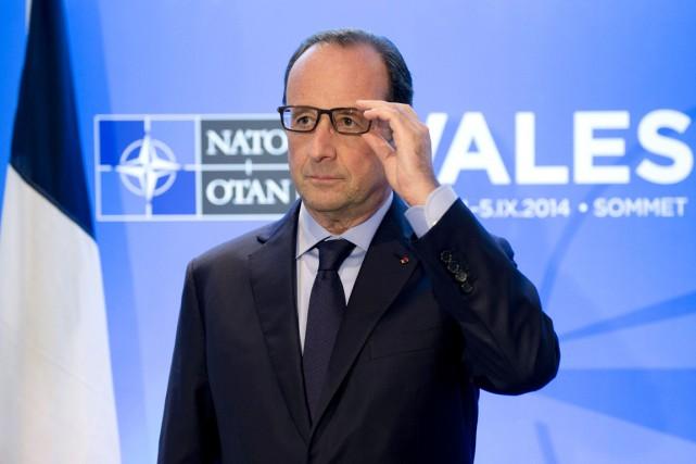 La cote de confiance de François Hollande est... (PHOTO ALAIN JOCARD, AFP)