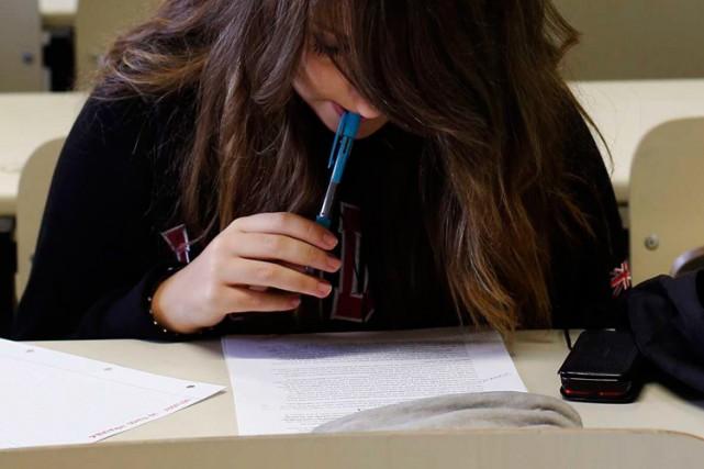 Des étudiants autrichiens qui devaient passer un examen d'admission à... (Photo archives Reuters)