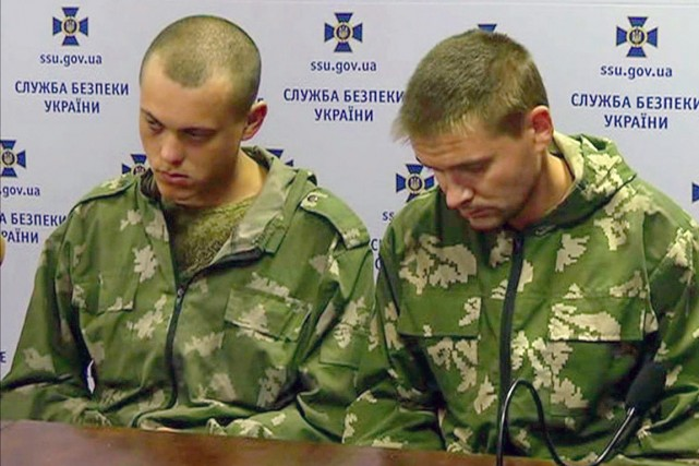 Tout comme ces soldats russes capturés en Ukraine,... (PHOTO ARCHIVES AP/CHANNEL 5)