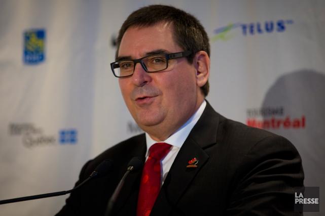 Le commissaire de la LHJMQ, Gilles Courteau.... (Photo André Pichette, archives La Presse)