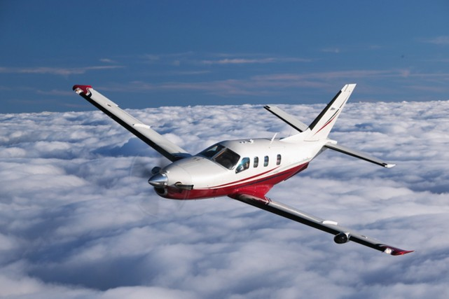 L'avion, un Socata TBM-700 de six à sept... (PHOTO BLOG.PRIVATEFLY.FR)