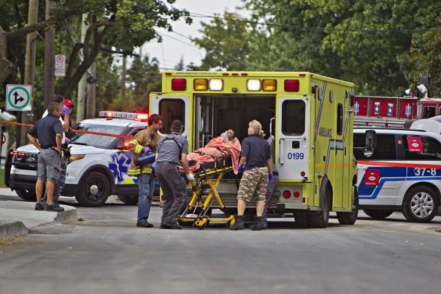 L'homme aurait été atteint en pleine rue.... (PHOTO FÉLIX O.J. FOURNIER, COLLABORATION SPÉCIALE)