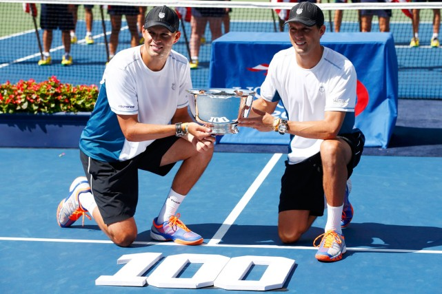 Bob et Mike Bryan comptent désormais 16 titres du... (Photo Adam Hunger, Reuters)