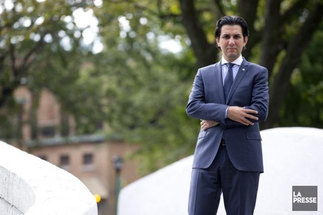 Tarik Haned est planificateur financier à la Caisse... (PHOTO FRANÇOIS ROY, LA PRESSE)