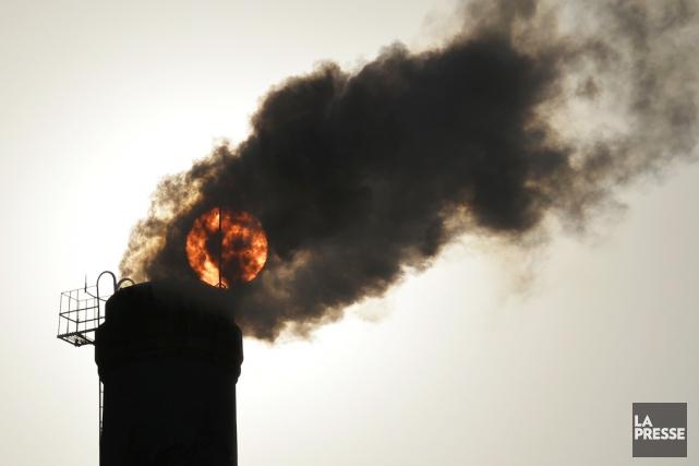 Le dioxyde de carbone est le principal responsable... (PHOTO ARCHIVES REUTERS)
