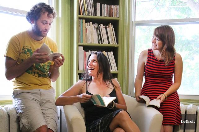 Le comédien Gabriel Robichaud, Anne-Marie White, directrice artistique... (Patrick Woodbury, LeDroit)
