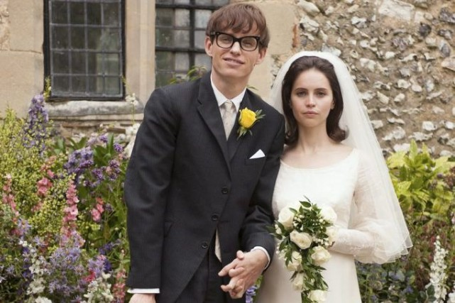 Eddie Redmayne et Felicity Jones dans The Theory... (Photo: La Presse Canadienne)