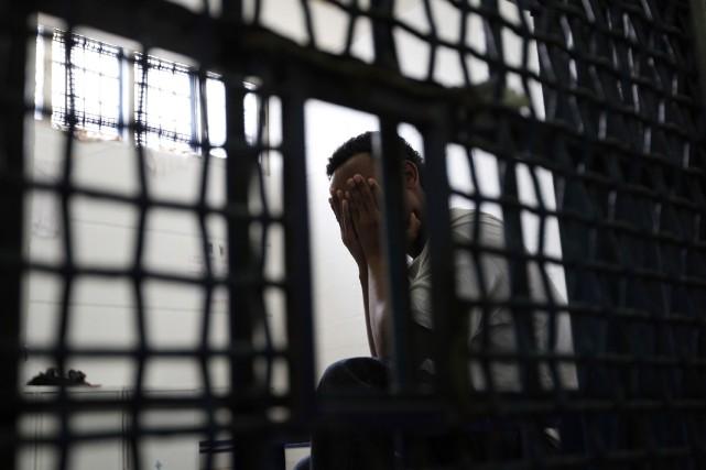Un prisonnier palestinien est mort mardi dans une prison israélienne,... (Photo archives Reuters)