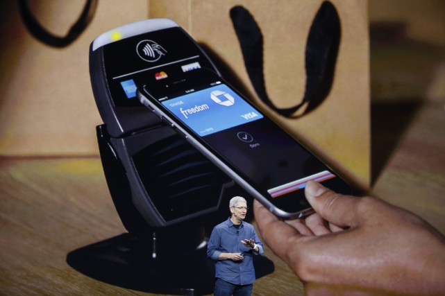 Avec la puce NFC d'Apple, le montant d'un... (Photo STEPHEN LAM, REUTERS)