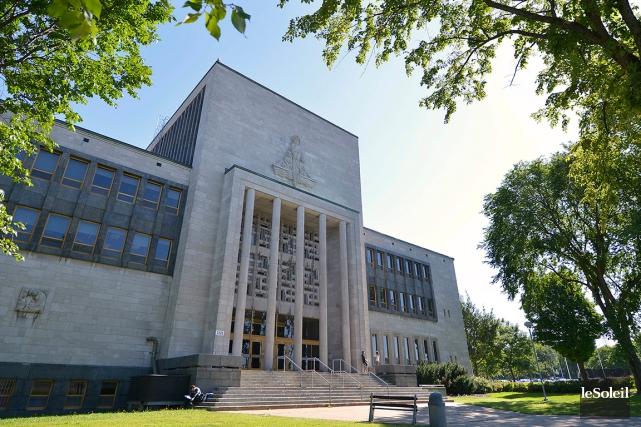 Le pavillon Palasis-Prince de l'Université Laval... (Le Soleil, Yan Doublet)