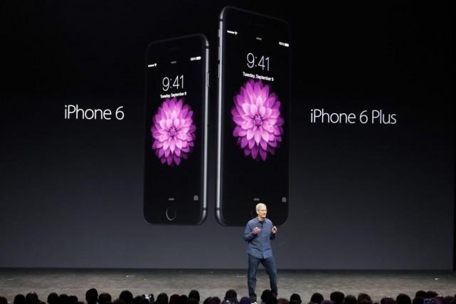 Tim Cook, président d'Apple, a lancé en grand,... (PHOTO STEPHEN LAM, REUTERS)