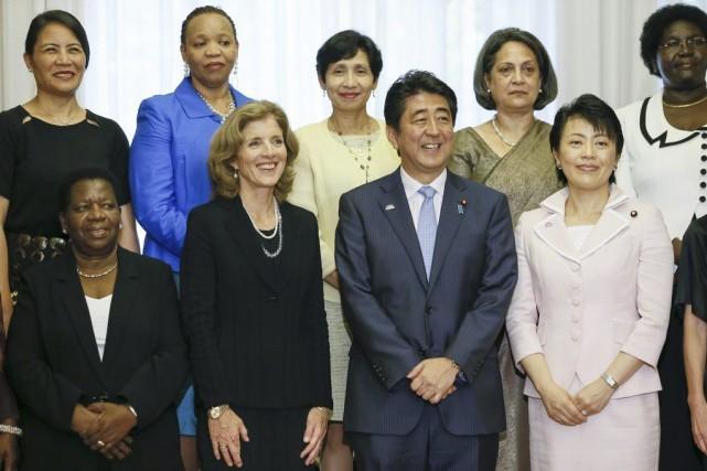 «Une société où les femmes rayonnent»: tel est... (PHOTO KIMIMASA MAYAMA, AFP)
