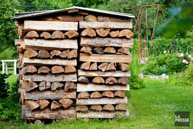 Les 83 000 poêles et foyers au bois... (Photo Archives La Presse)