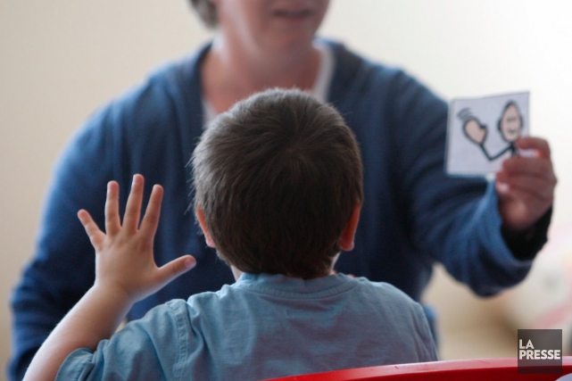Mère de deux enfants autistes de 12 et 9 ans, Johanne Leduc s'est longtemps... (Photo Archives La Presse)