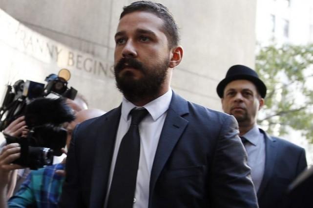Shia LaBeouf à son arrivée en cour.... (Photo: Reuters)