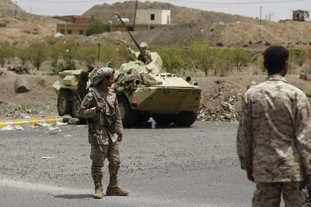 Des militaires et des policiers ont été blessés... (Photo: AP)
