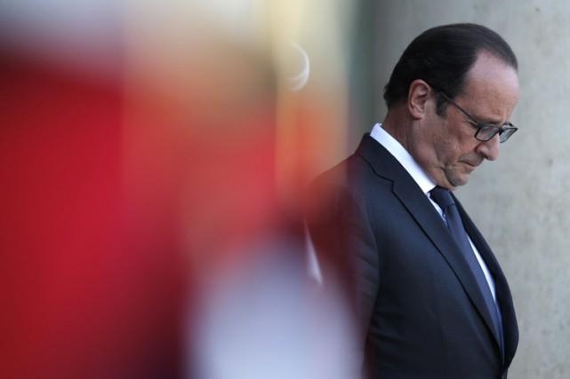 François Hollande sur les marches du palais de... (Photo: AFP)
