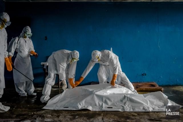 Alors que le virus Ebola, ayant déjà tué plus de 3800 personnes, continue de se... (Archives La Presse)