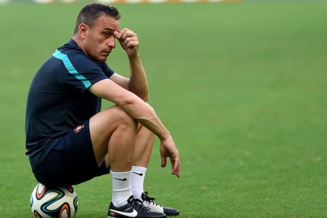 Le sélectionneur de l'équipe du Portugal, Paulo Bento.... (Photo Francisco Leong, archives AFP)